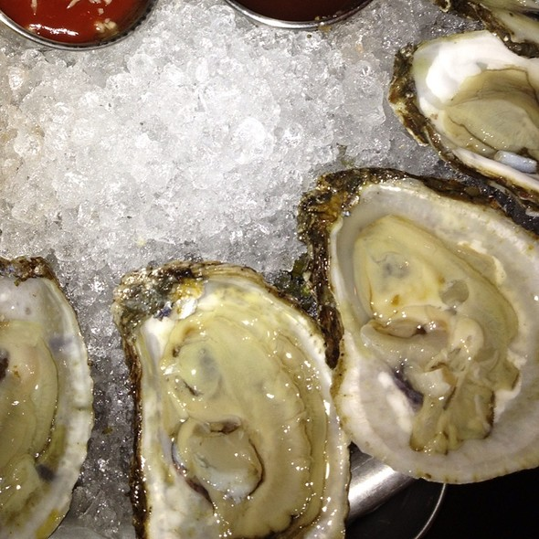 Oyster Happy Hour @ Mermaid Inn