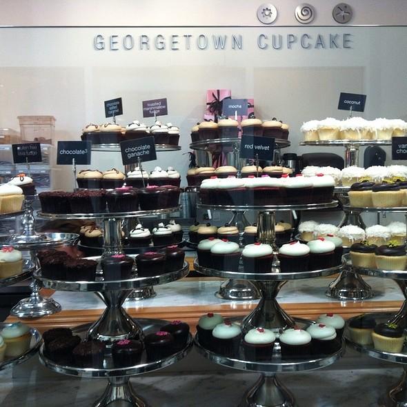 Assorted cupcakes @ Georgetown Cupcake