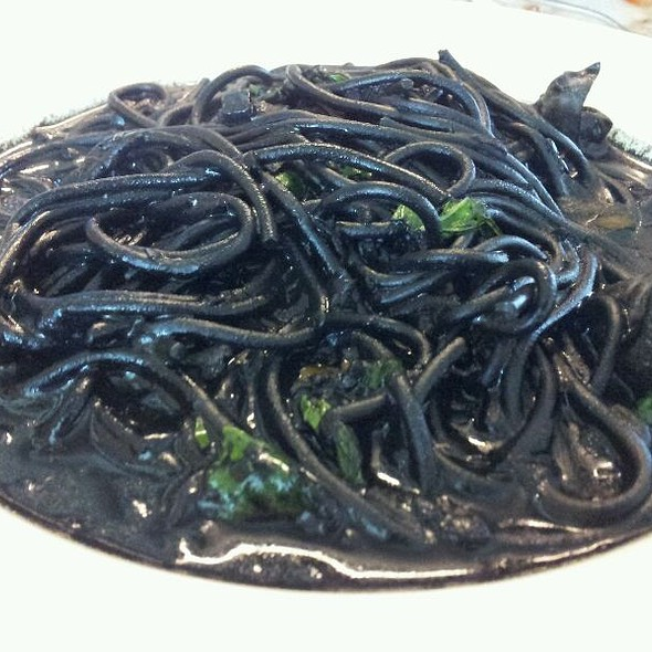 Very Black Spaghetti  @ Chef Thanom ท่าเรือ