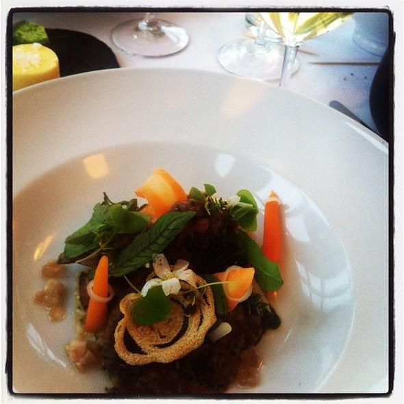 Kalv, Gulerod Og Løg @ Restaurant Villa Vest