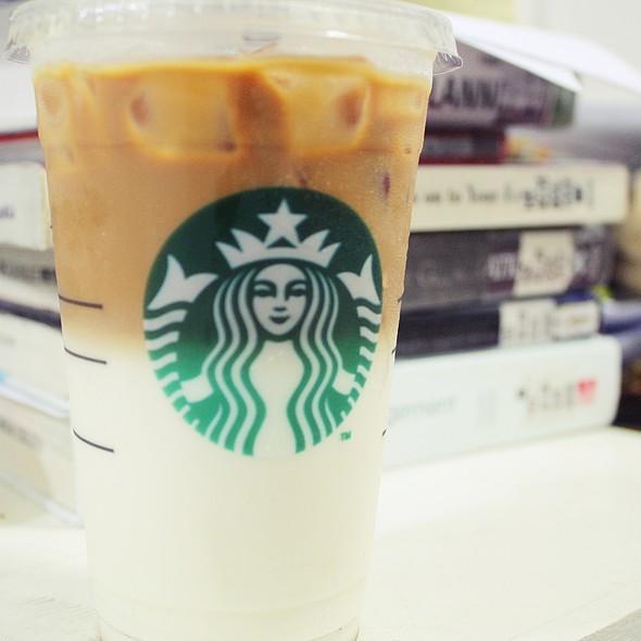 Iced Caramel Machiatto @ Starbucks, Taft