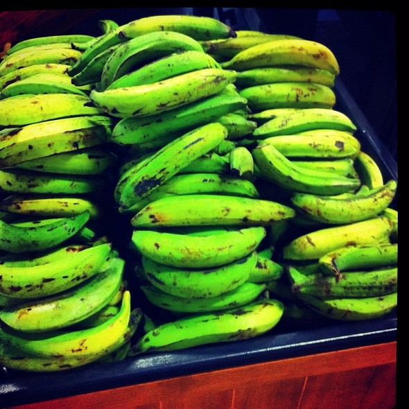 Platanos Verdes @ Supermercado Rey