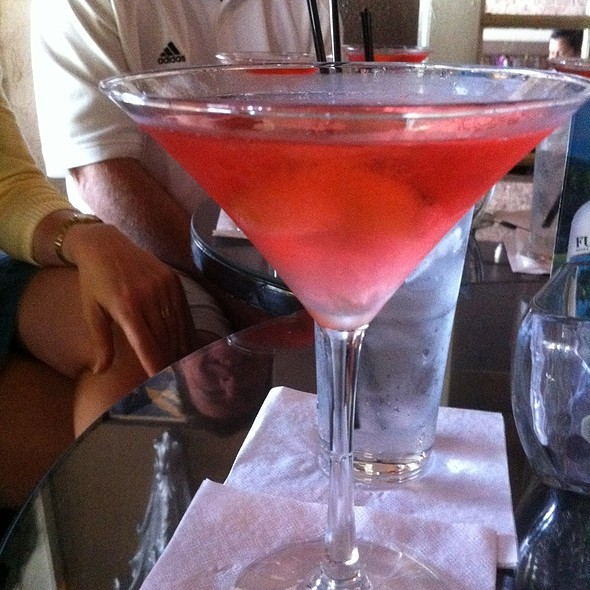 Raspberry Cosmo - Paradise Restaurant and Bar, Long Beach, CA