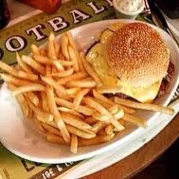 Classic Burger @ Joe & Leo's-Shopping Rio Design Leblon