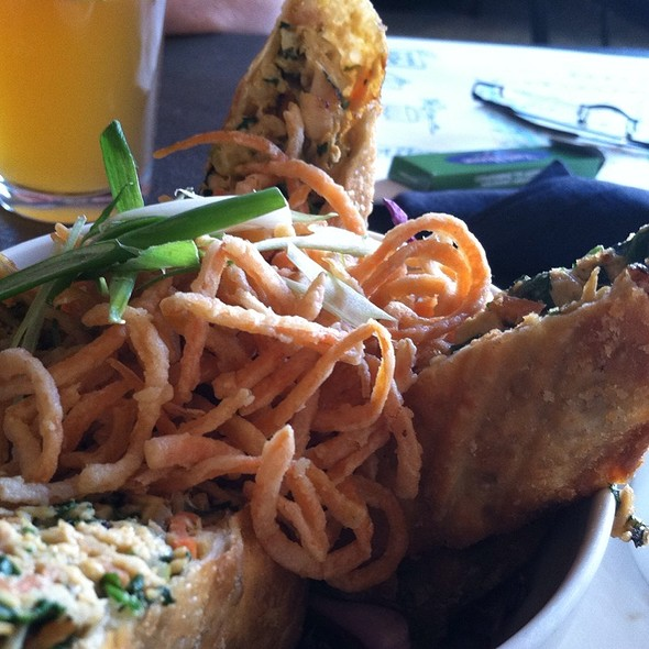 egg rolls @ Yard House Pasadena