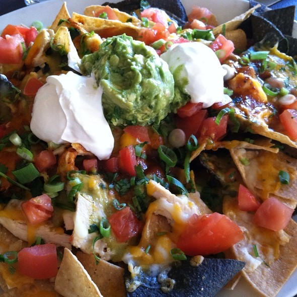 Chicken Nachos @ Yard House Pasadena