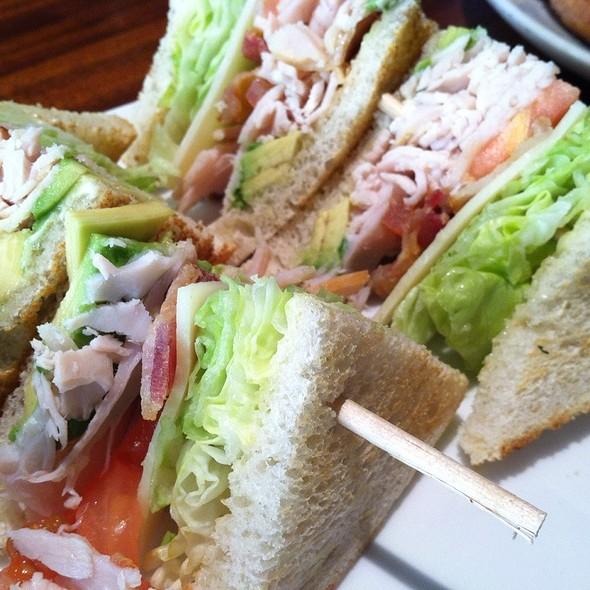 Sandwich Club @ Yard House Pasadena