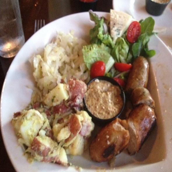 Ploughman's platter @ 5 Seasons Brewing