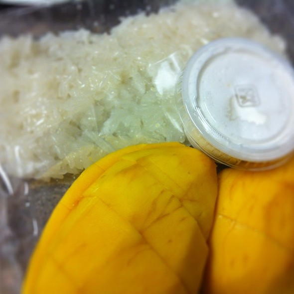Mango With Sticky Rice @ bhan kanom thai