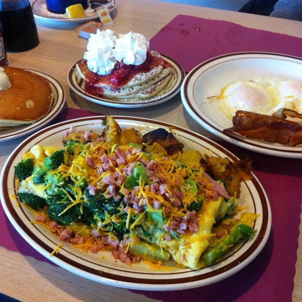 Omelette And Pancakes At Norwich Country Kitchen
