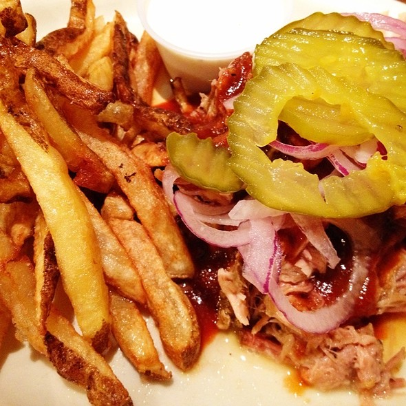 Pulled Pork @ B B's Home Cooking