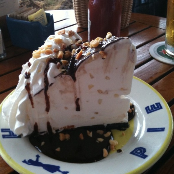 Hula Pie @ Duke's Canoe Club