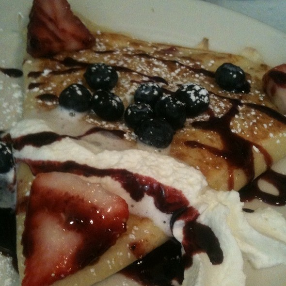 Lemon Curd Crepe With Mashed Berries @ Le Petit Triangle Cafe