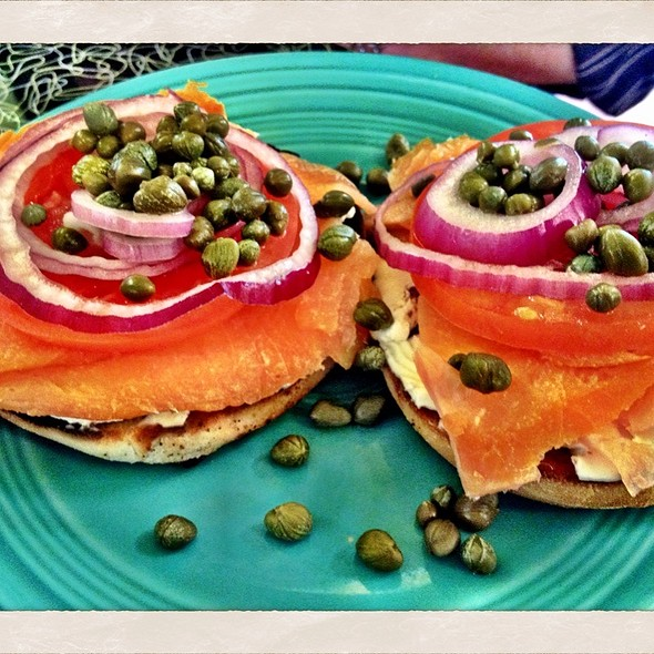 Bagel with Lox @ Good Morning Mama's