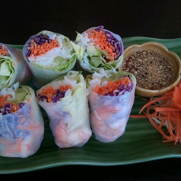 Fresh Rolls w/shrimp @ Royal Thai