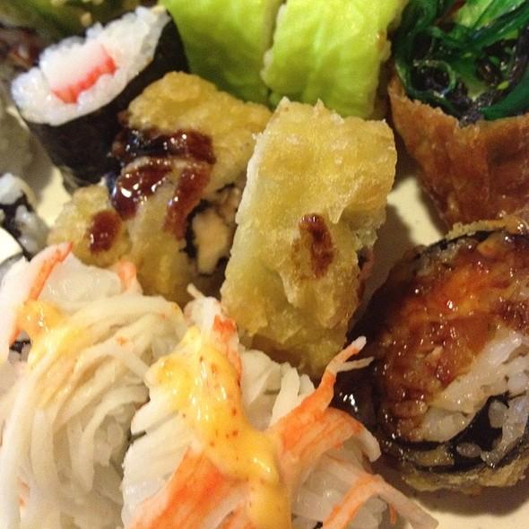Happy Hour Sushi Rolls @ Ocean's Buffet