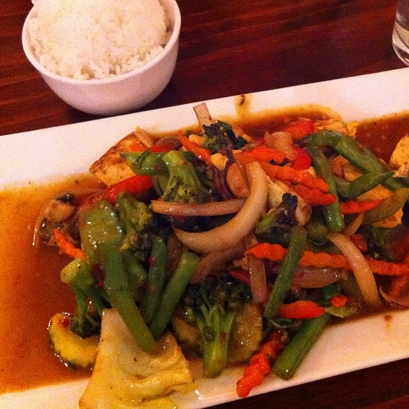 Ka Prao - Veggies & Steamed Tofu @ Summitra