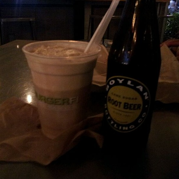 Rootbeer Float With Custard