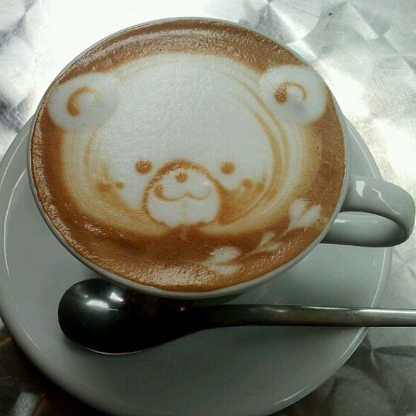 Cappucino @ EYE comodo Cafe