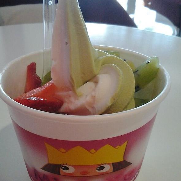 Green Tea Frozen Yogurt