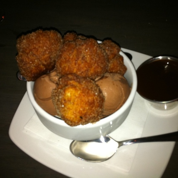 Churros With Chocolate Ice Cream And Chipotle Chocolate Sauce @ Metropolitan Cafe