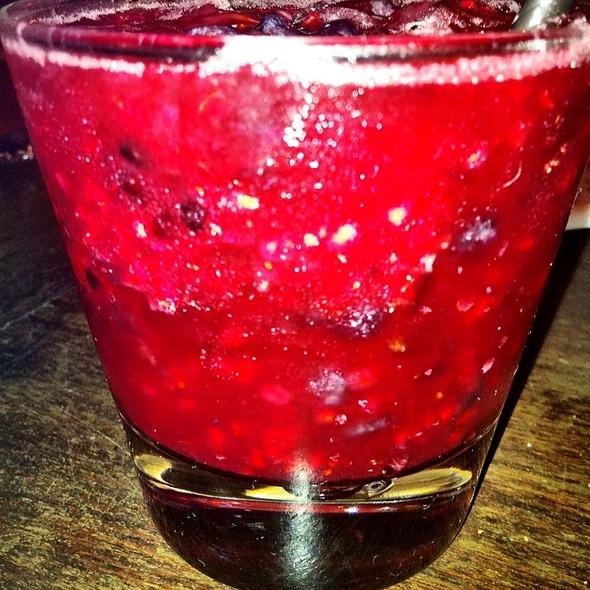 Caipirinha De Frutas Vermelhas @ Pizzaria Basilico