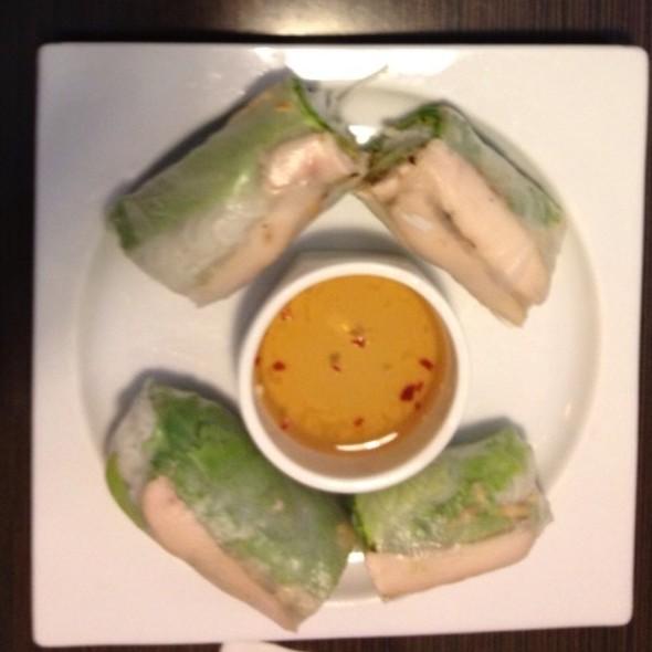 Crunchy Chicken Springroll @ Sprouts Springrolls & Pho