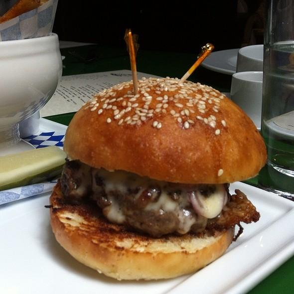 Bowling Alley Burger @ Swift's Attic