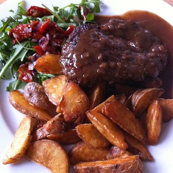 Steak With Red Wine Sauce @ Kafé Moskenes