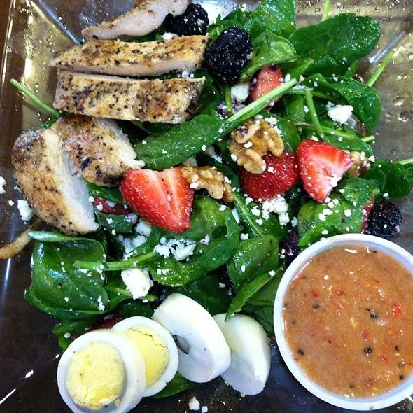 Berry Spinach Salad W/ Chicken