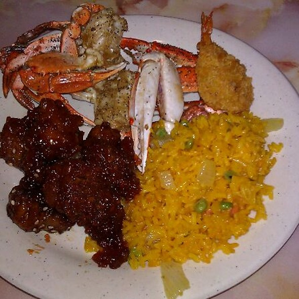 Sesame Chicken, Yellow Rice, Fried Crab