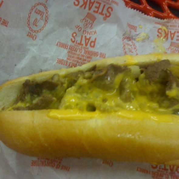 Philly Cheese Steak @ Pat's King of Steaks