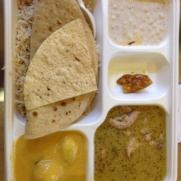 Chicken Curry Combo @ Vik's Chaat Corner