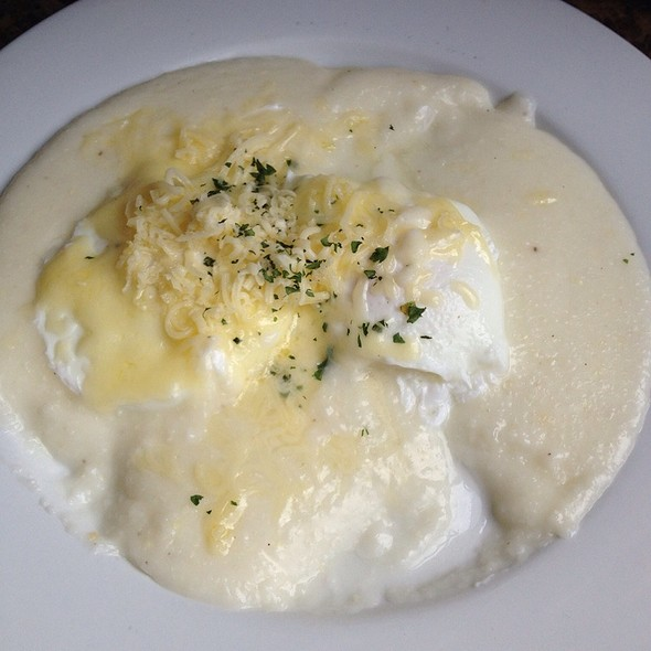 Cheddar Cheese Grits with Poached Eggs @ Brown Sugar Kitchen