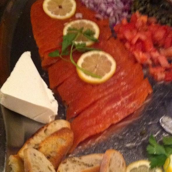 Smoked salmon @ Vin De Set