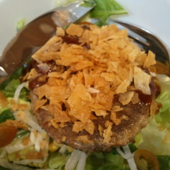 BARBEQUE BURGER SALAD @ Stackers Burger Cafe
