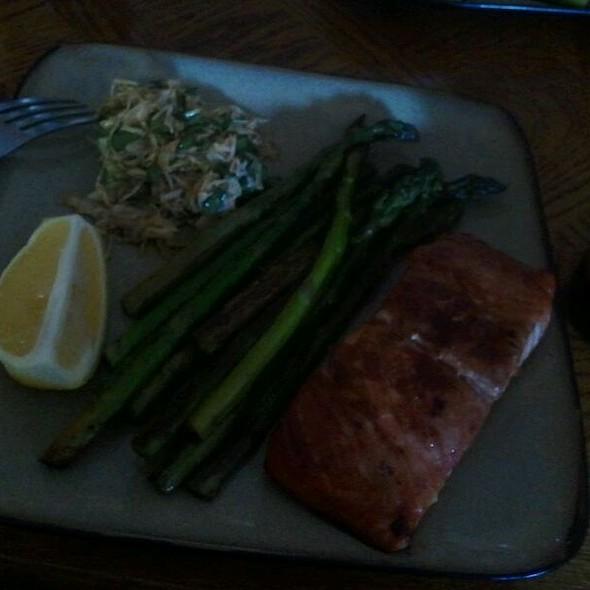 Grilled Salmon & Asparagus  @ Casa De Fo