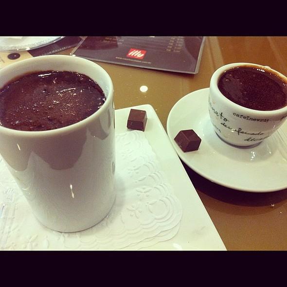 o melhor chocolate quente de sp   @ Cau Chocolates