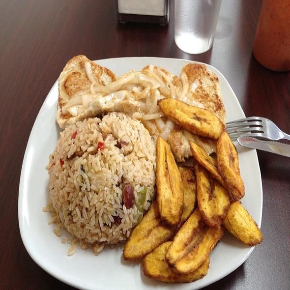 Pollo Frito @ Cuban Island