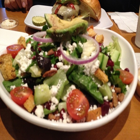 Bistro Salad @ Hook Burger Bistro