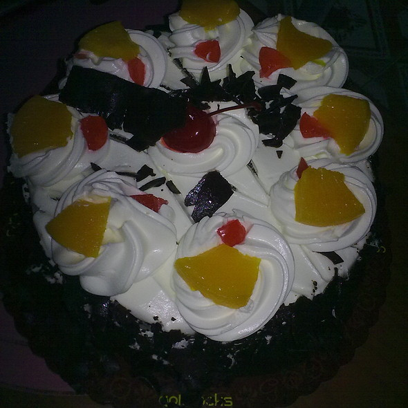 Black Forest Cake @ Goldilocks