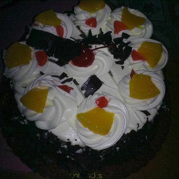 Black Forest Cake @ Goldilocks