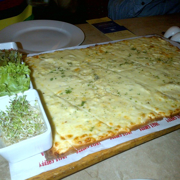 Cheese, Cheese and Cheese Brick Oven Panizza @ Uncle Cheffy's