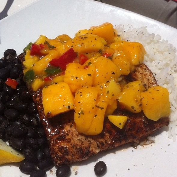 Blackened Mahi With Mango Salsa @ Coconuts On the Beach