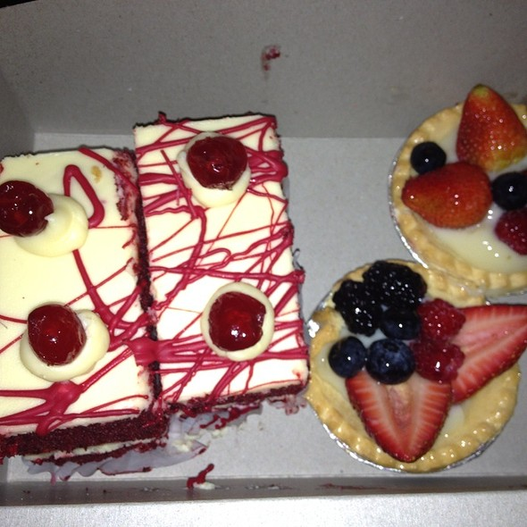 Red Velvet Cake & Fruit Tart @ Rockland Bakery