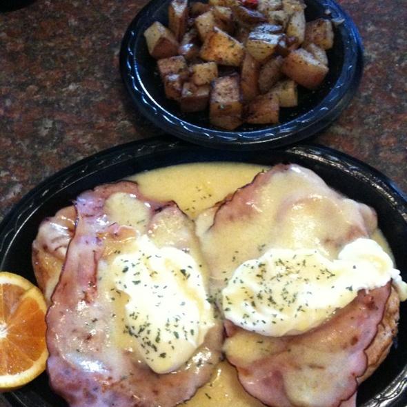Eggs Benedict @ In Pockets