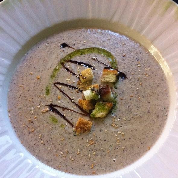 Mushroom soup @ Teatri Puhvet