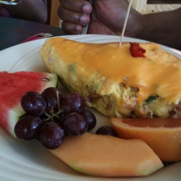 Denver omelette and hash browns @ Sophia's House of Pancakes