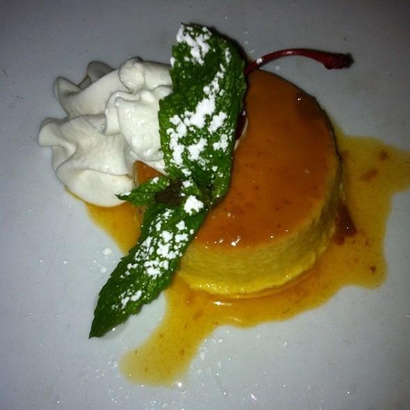 leche flan @ guantanamera restaurant