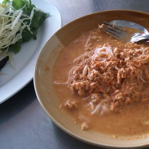 ขนมจีนน้ำยาปู (Rice Vermicelli With Spicy Crab Sauce) @ ร้านจู